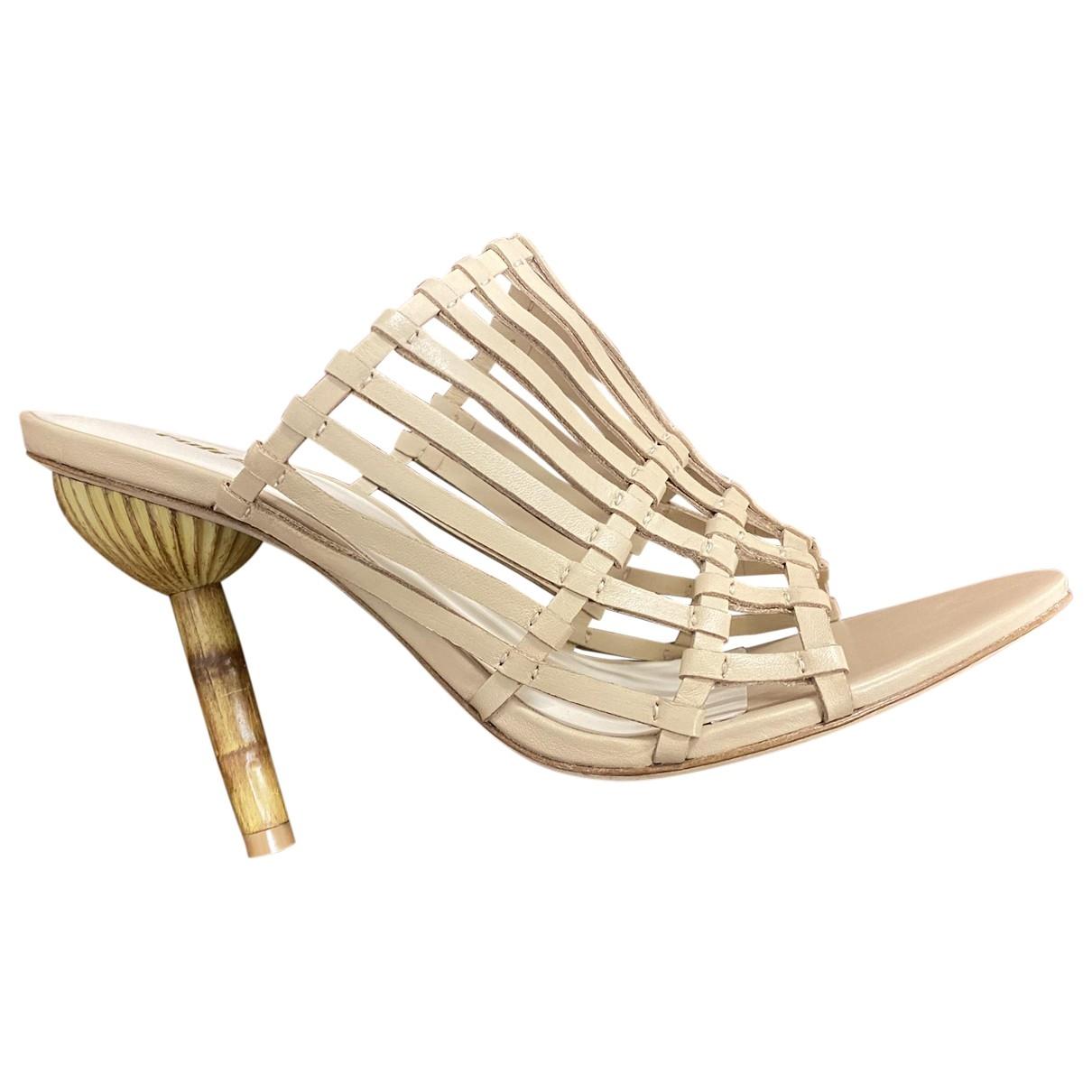 Cult Gaia - Sandales   pour femme en cuir - beige