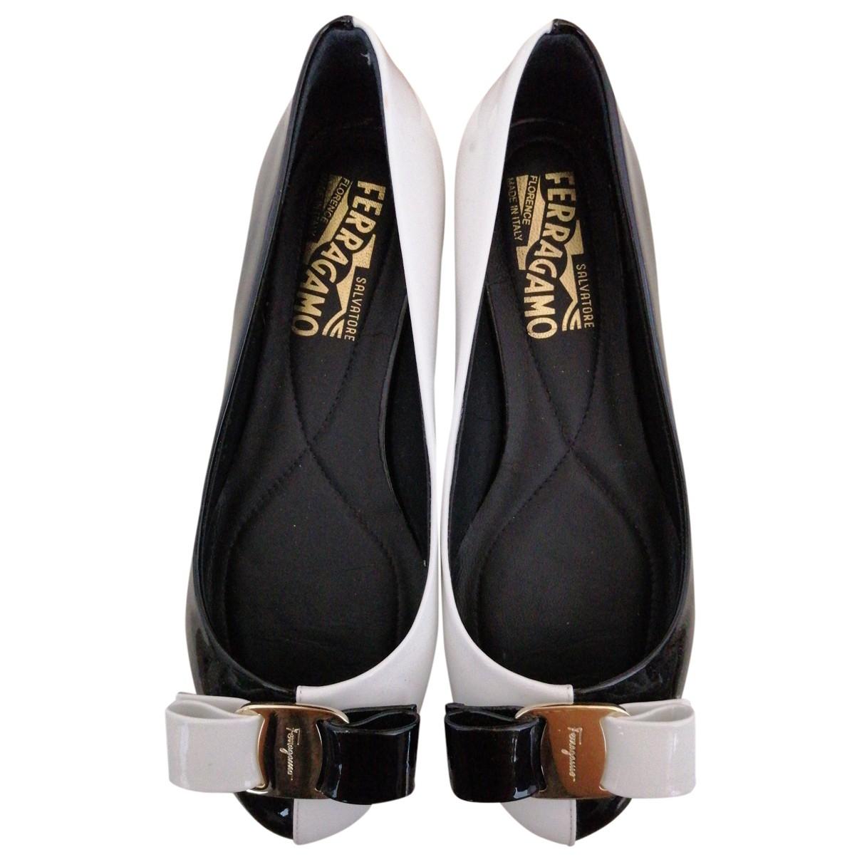 Salvatore Ferragamo \N Multicolour Patent leather Flats for Women 35 EU