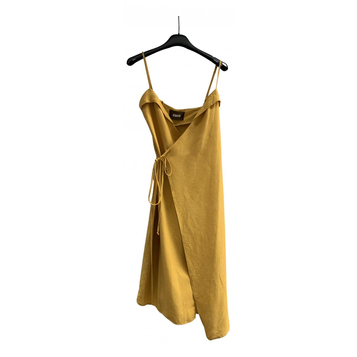 Reformation \N Kleid in  Gelb Leinen