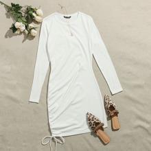Vestido ajustado con cordon lateral