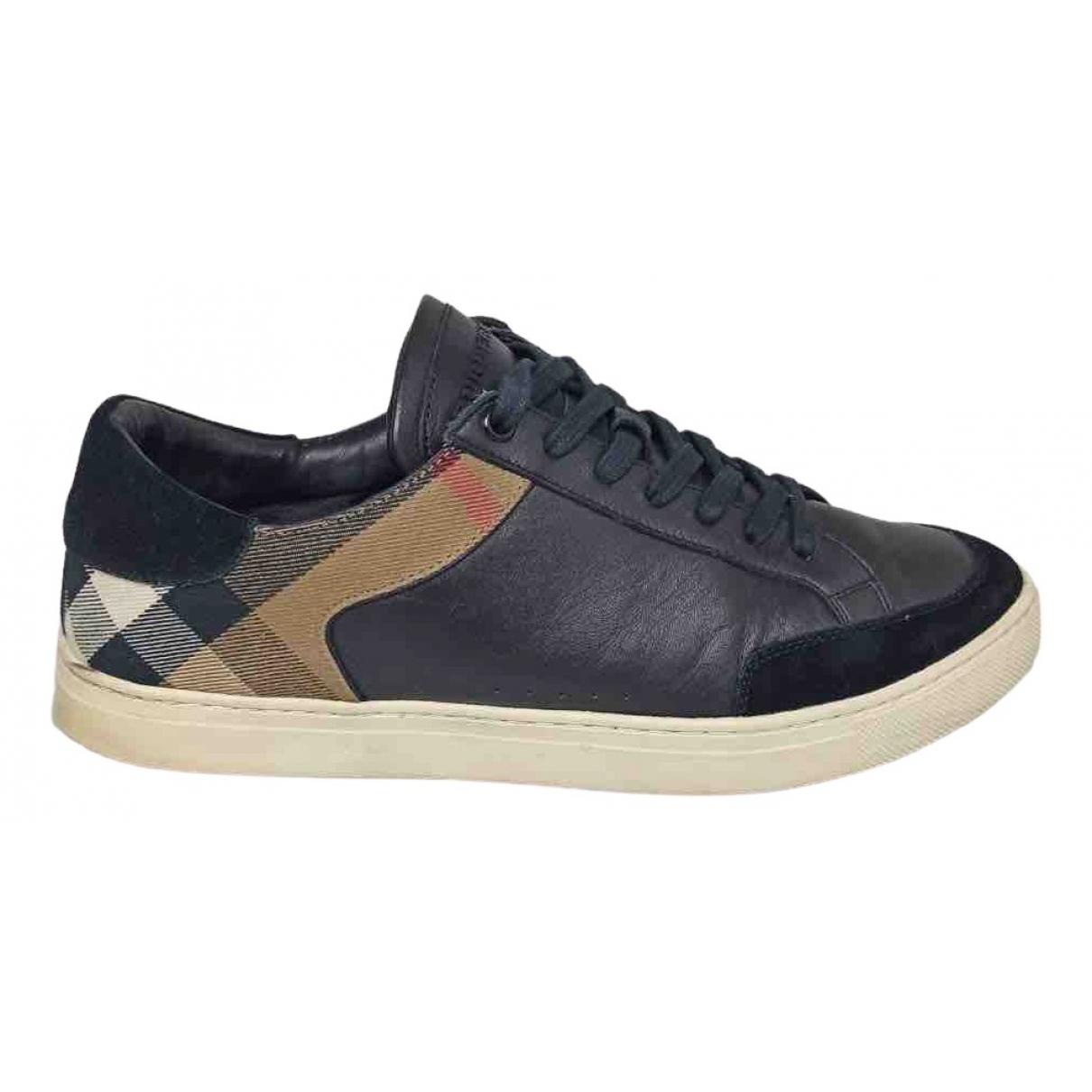 Burberry \N Sneakers in  Schwarz Leder