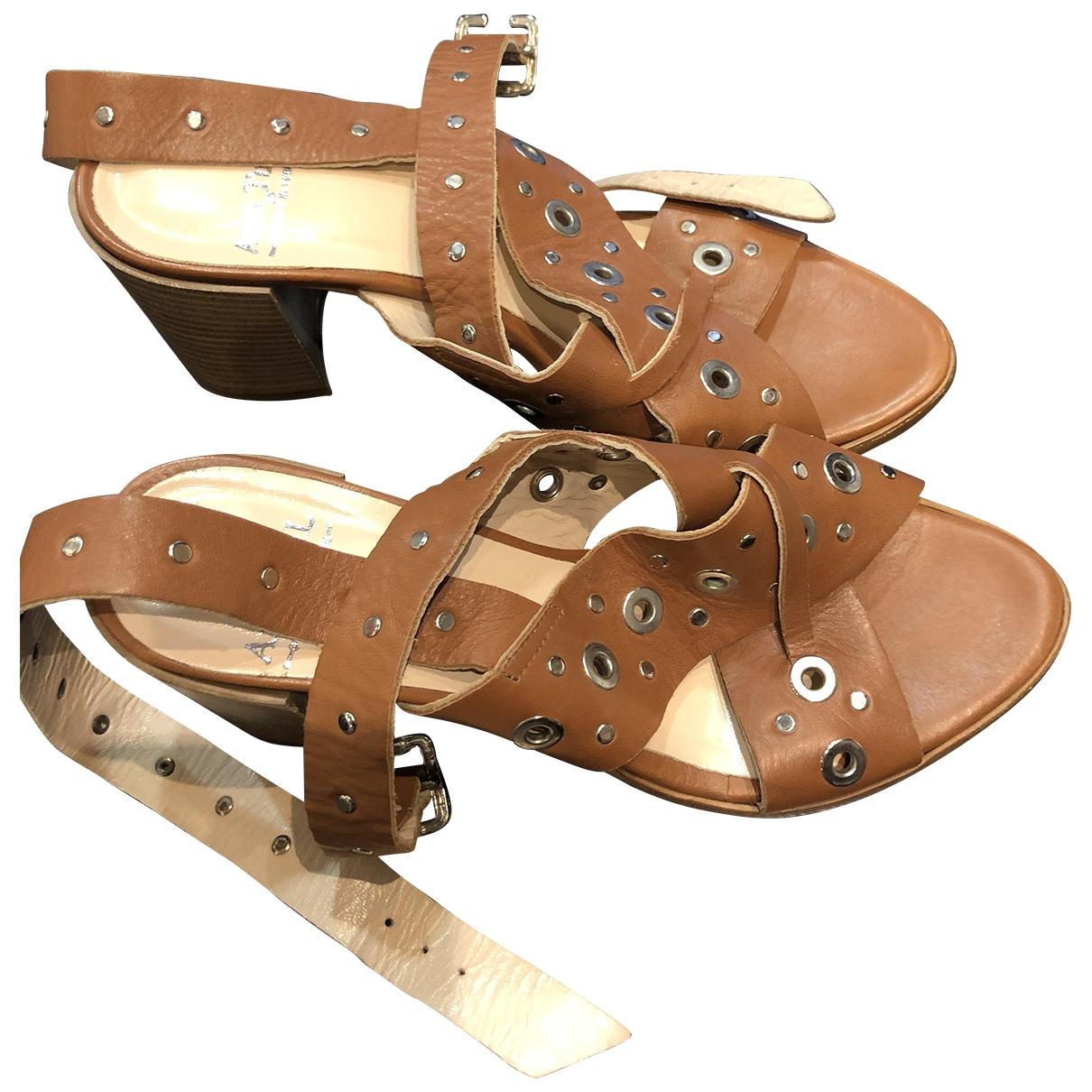 Sandalias de Cuero Ann Tuil