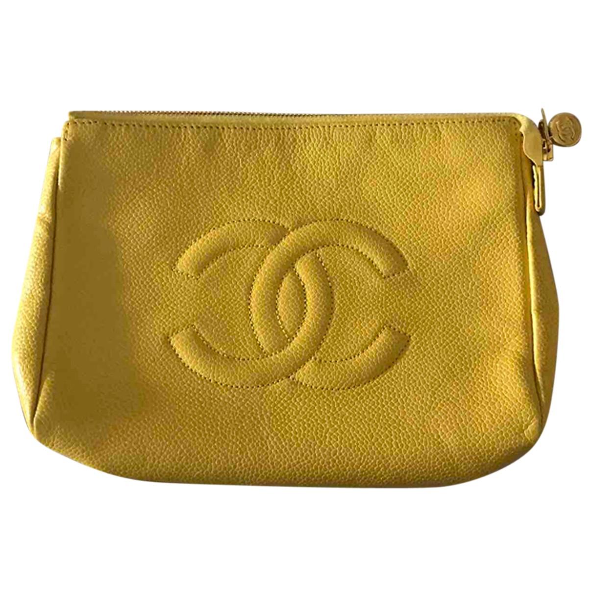 Chanel \N Clutch in  Gelb Leder