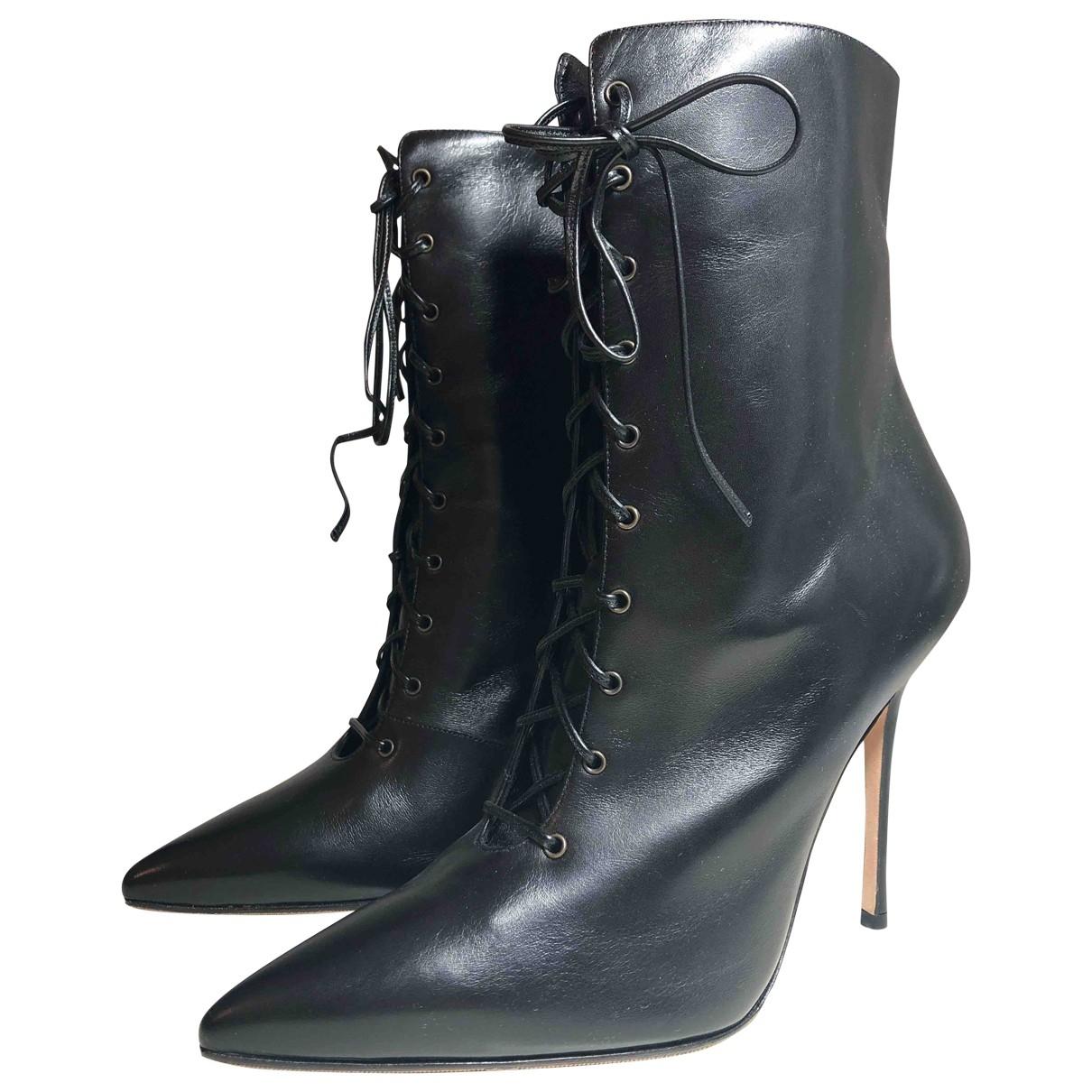 Manolo Blahnik - Bottes   pour femme en cuir - noir