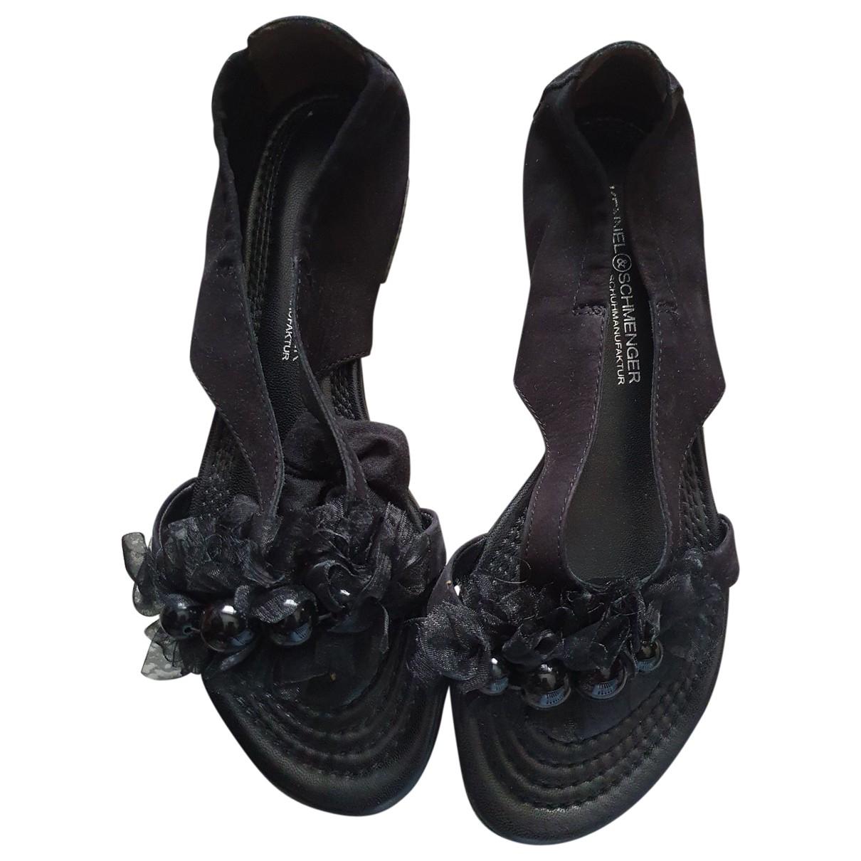 Kennel Und Schmenger \N Sandalen in  Schwarz Leder