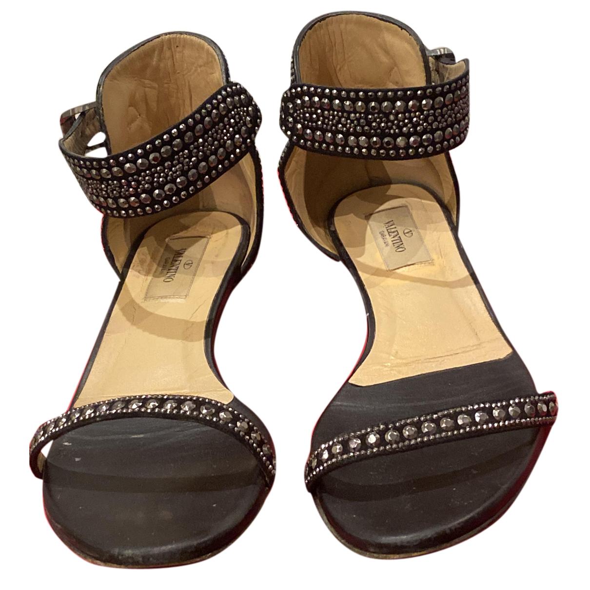 Valentino Garavani N Black Leather Sandals for Women 38 EU