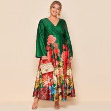 Vestido linea A con estampado floral de cuello cruzado