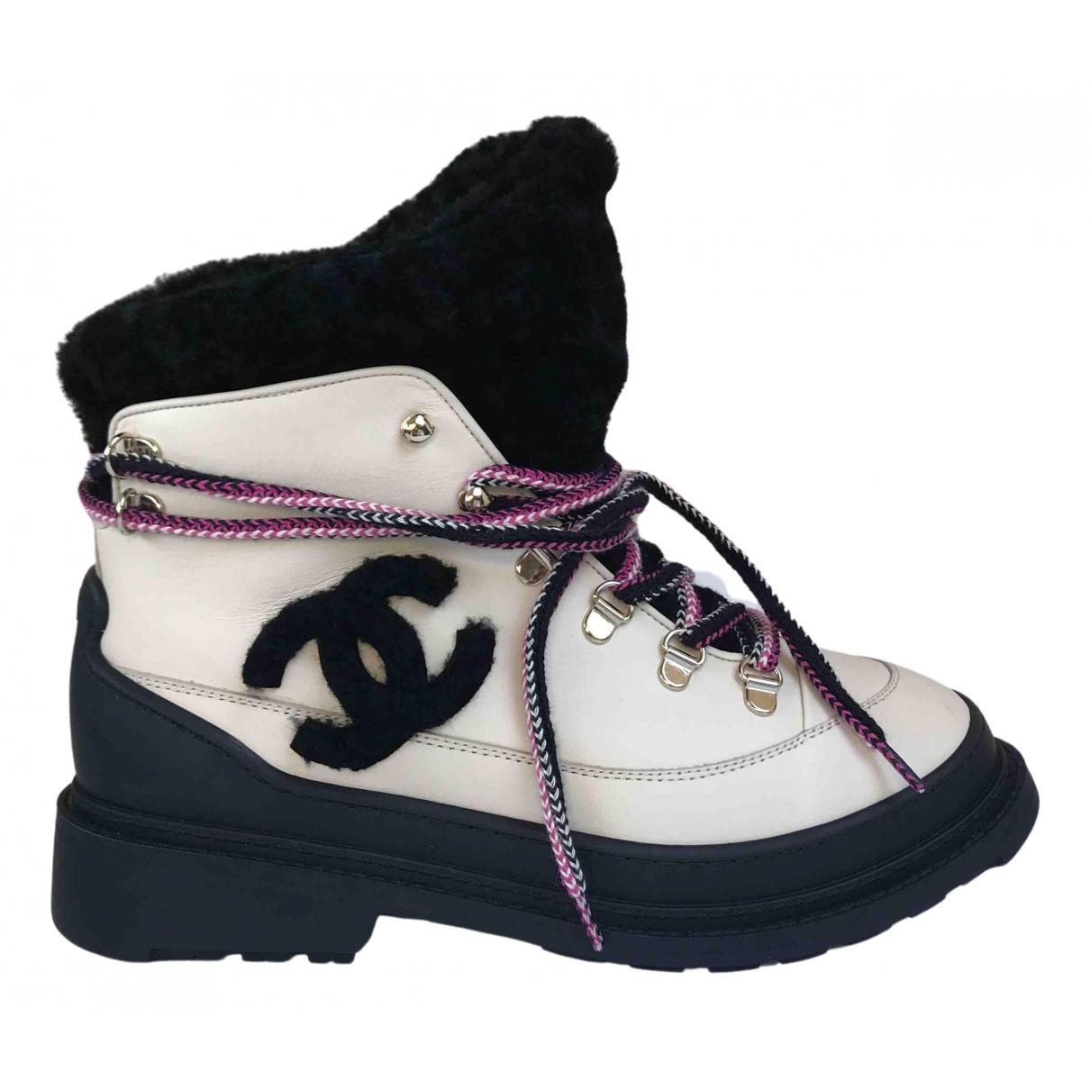Chanel \N Stiefeletten in  Beige Leder