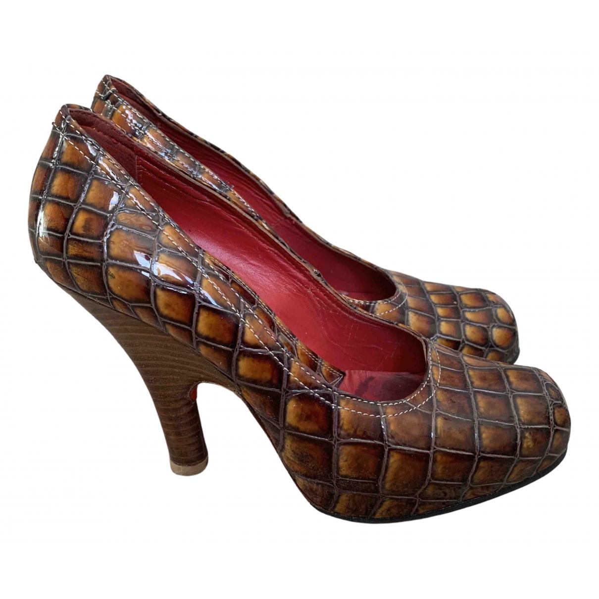 Vivienne Westwood - Escarpins   pour femme en cuir verni - marron