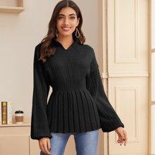 Pullover mit eingekerbtem Stehkragen, Laternenaermeln und Schosschen