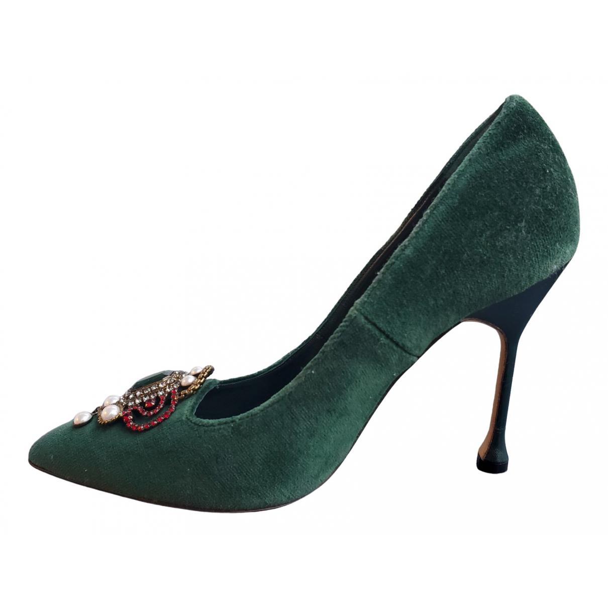 Manolo Blahnik \N Green Velvet Heels for Women 38.5 EU