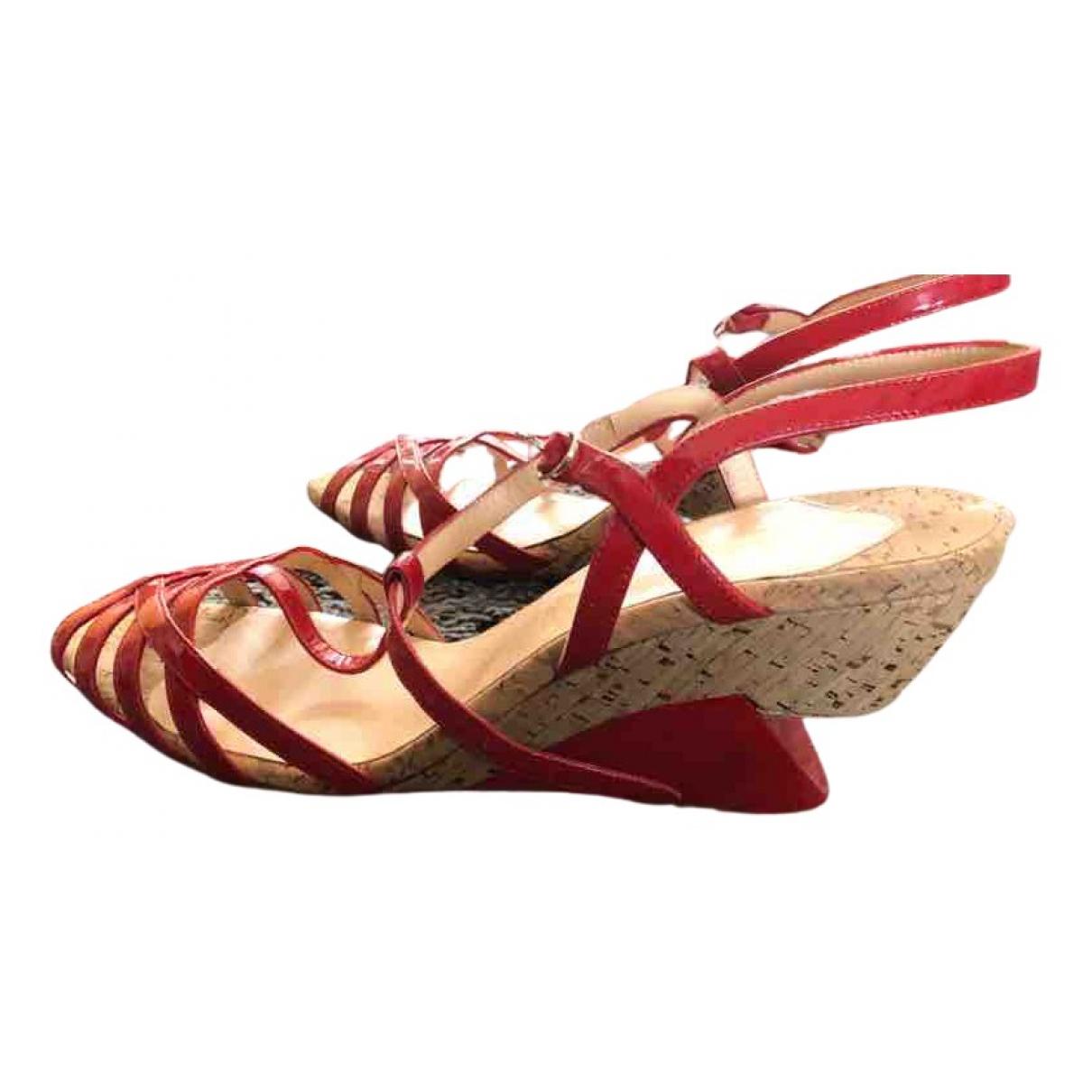 Christian Louboutin - Sandales   pour femme en cuir verni - rouge