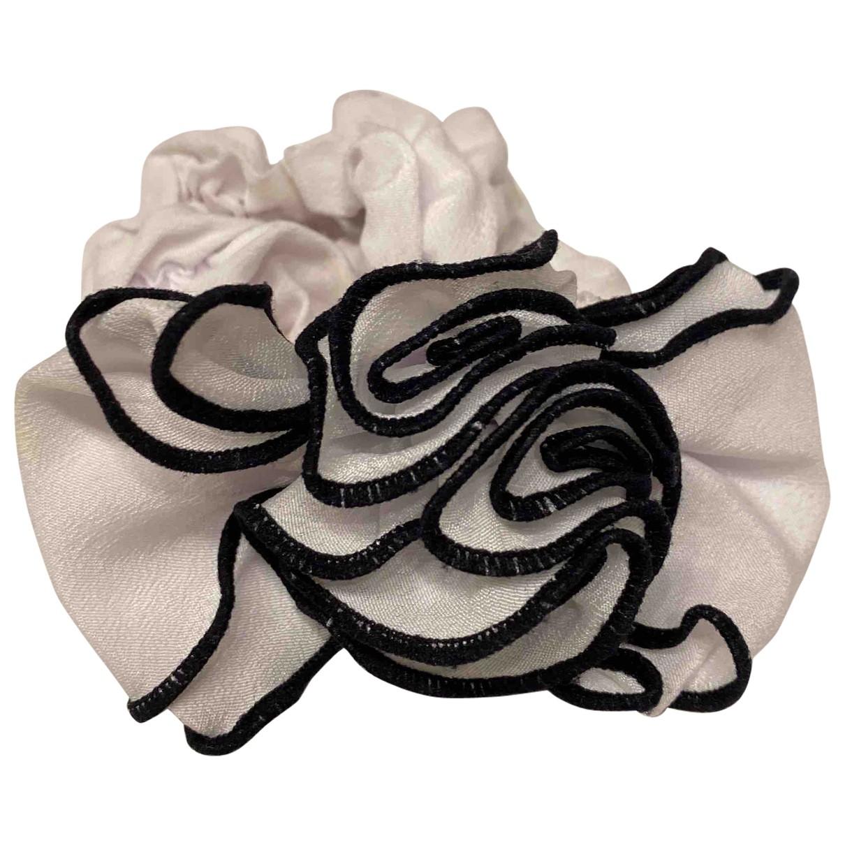Ohne Titel - Bijoux de tete   pour femme en soie - blanc
