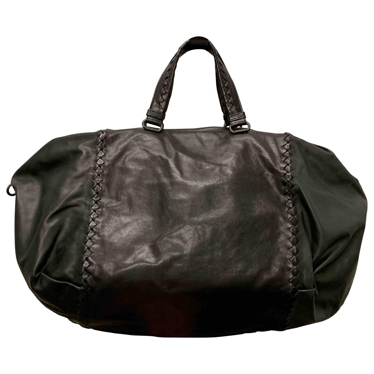 Bottega Veneta \N Handtasche in  Schwarz Leder