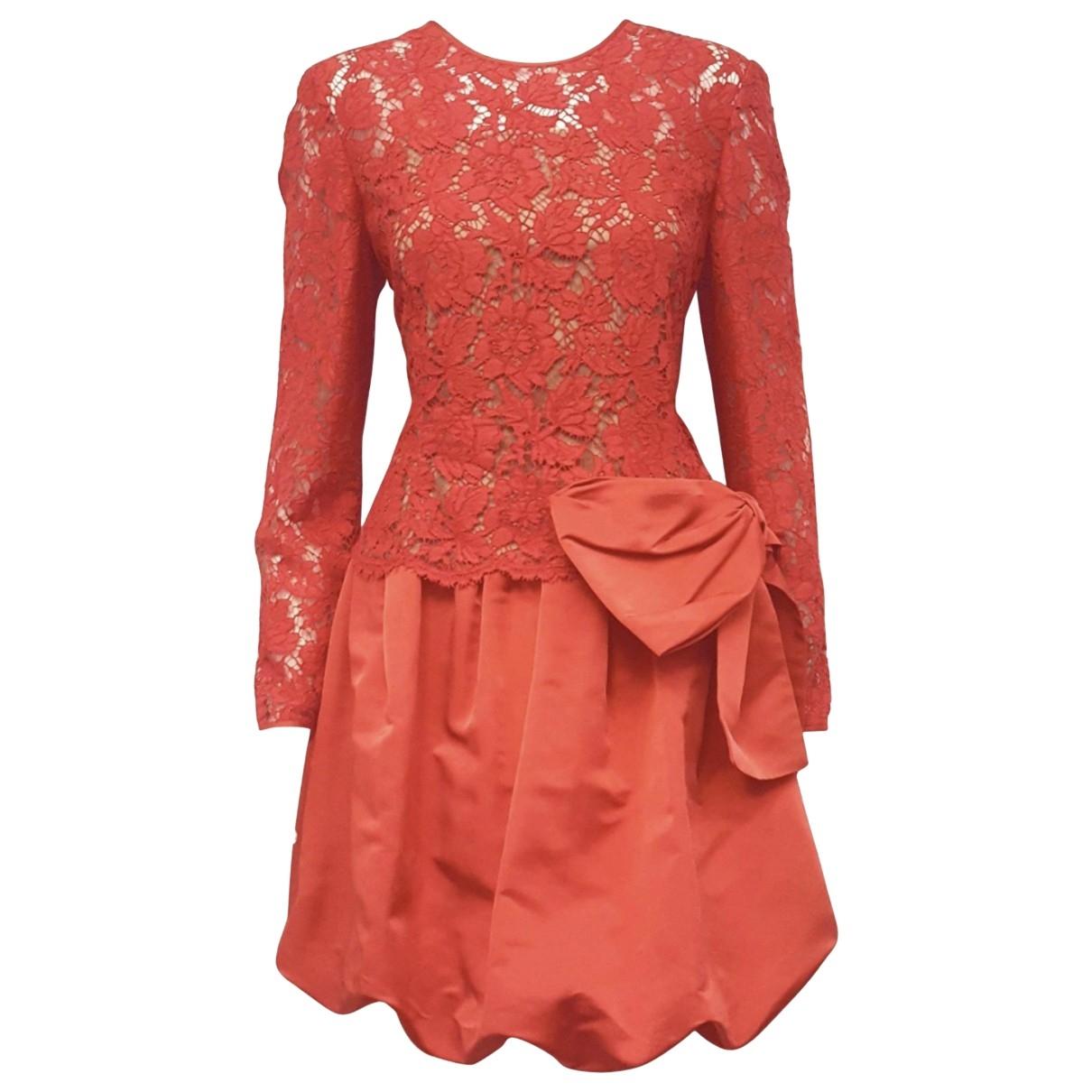 Valentino Garavani \N Kleid in  Rot Spitze