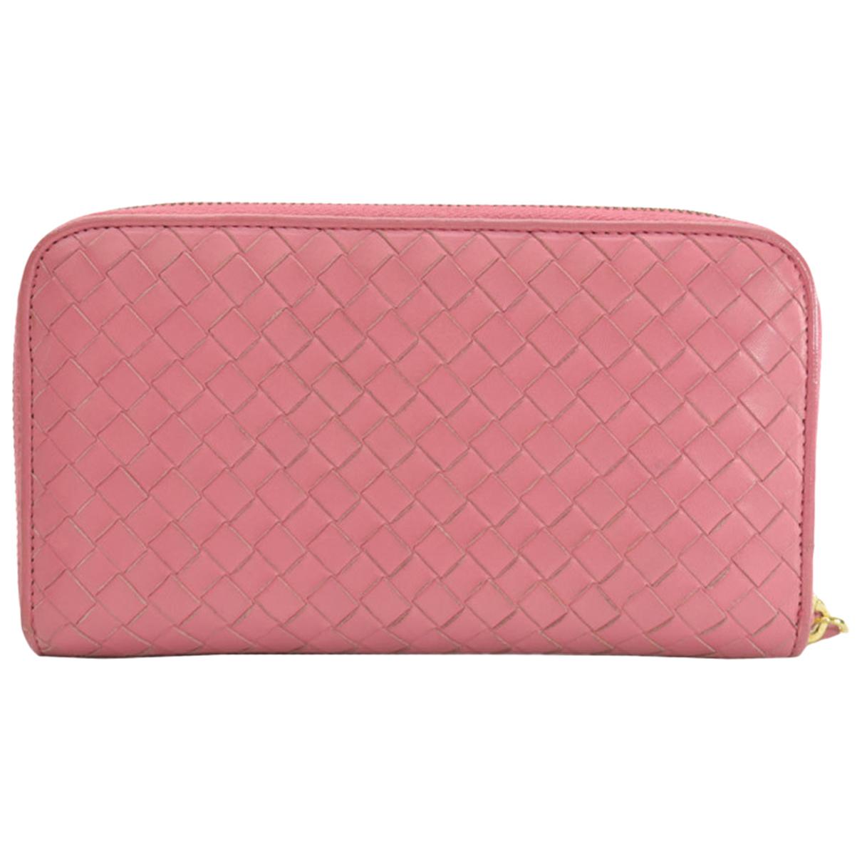 Bottega Veneta - Portefeuille Intrecciato pour femme en cuir - rose