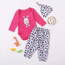 Baby Girl Cartoon And Letter Graphic Bodysuit & Pants & Hat