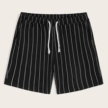 Maenner Shorts mit Kordelzug und Nadelstreifen