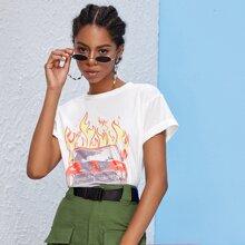 T-Shirt mit Feuer, Auto Muster und gerollten Ärmeln