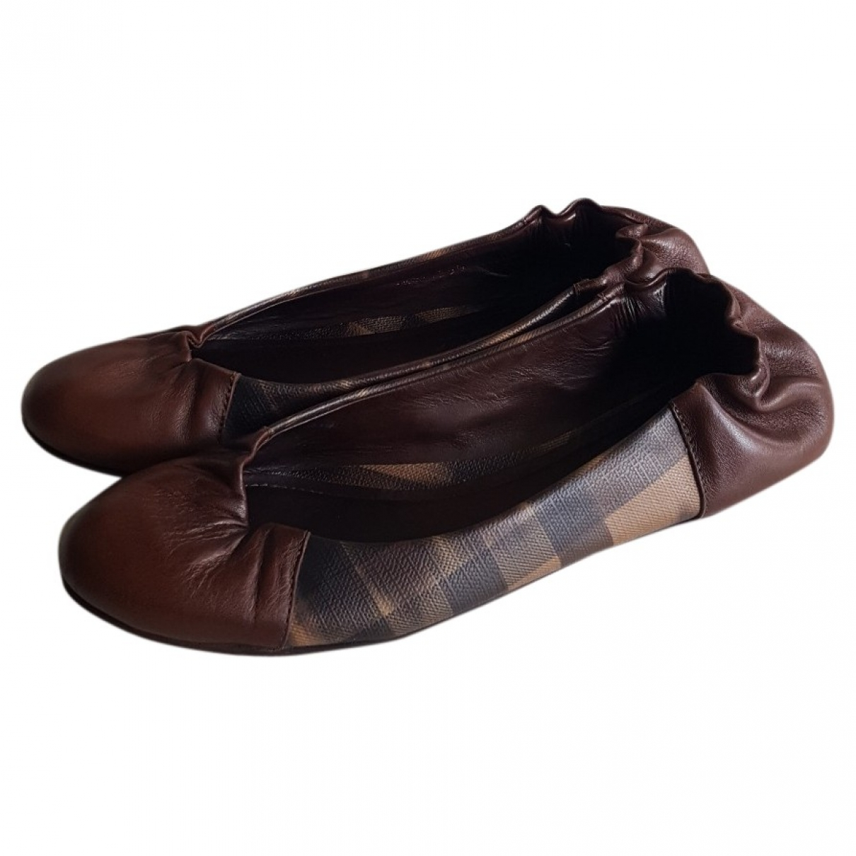 Burberry \N Ballerinas in  Bunt Leder