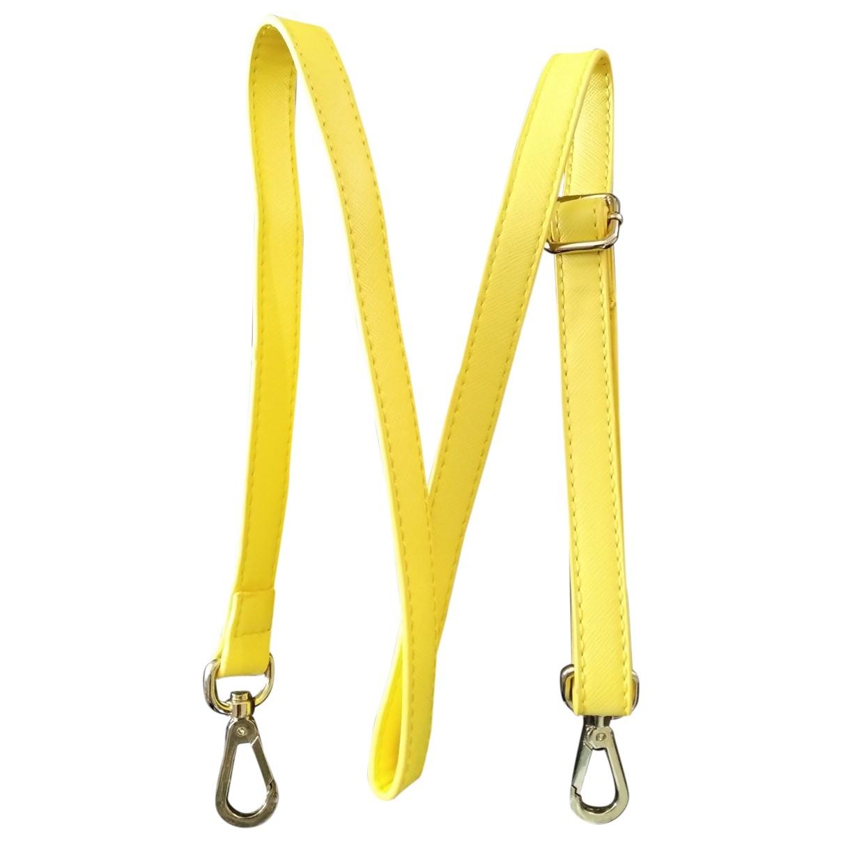 Prada \N Kleinlederwaren in  Gelb Leder