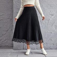 Lace Hem Pleated Knit Skirt