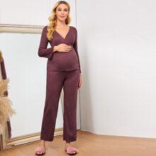 Maternidad conjunto de pijama top unicolor de cuello cruzado con pantalones