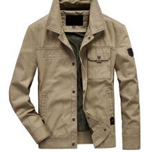 Abrigo con bolsillo con solapa con bordado de slogan
