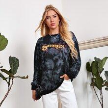 Langer Pullover mit Buchstaben und Feuer Muster, Batik und sehr tief angesetzter Schulterpartie