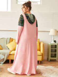 Plus Camo Panel Pocket Front Hooded Maxi Dress