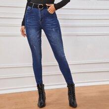 Schmale Jeans mit Rissen ohne Guertel