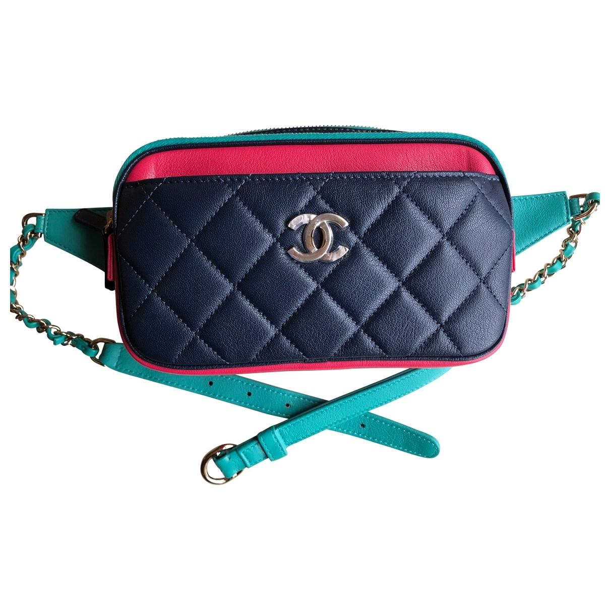 Chanel Timeless/Classique Clutch in  Bunt Leder