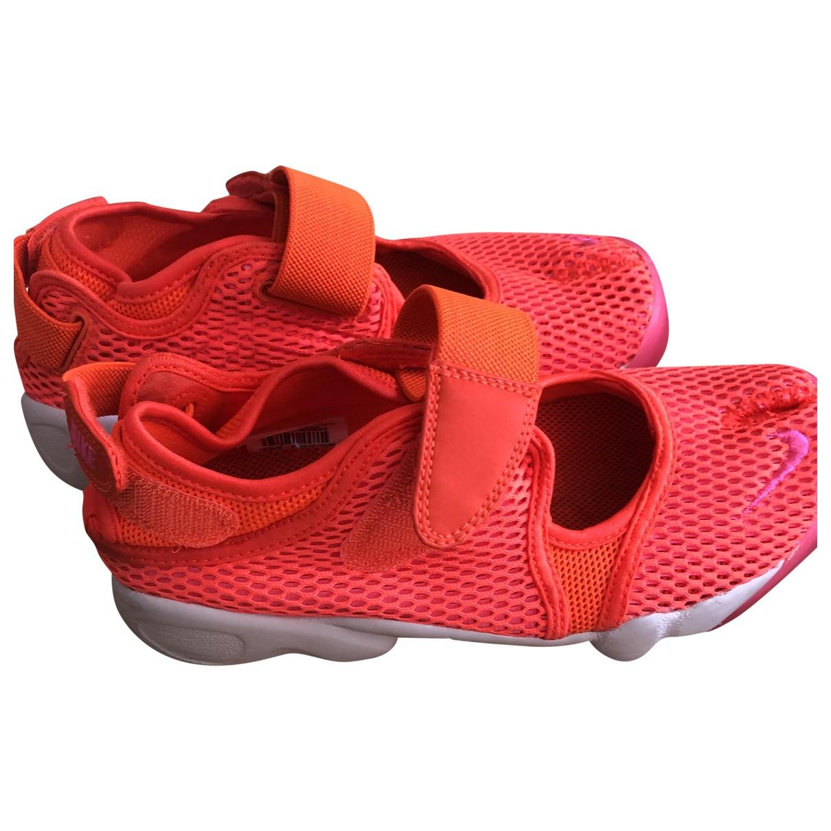 Nike \N Sneakers in  Rosa Leinen