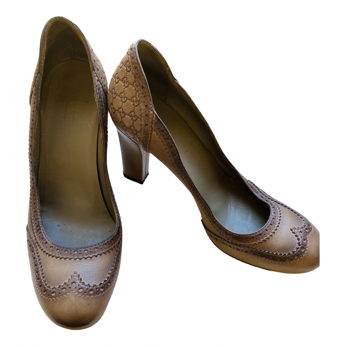 Gucci \N Pumps in  Beige Leder