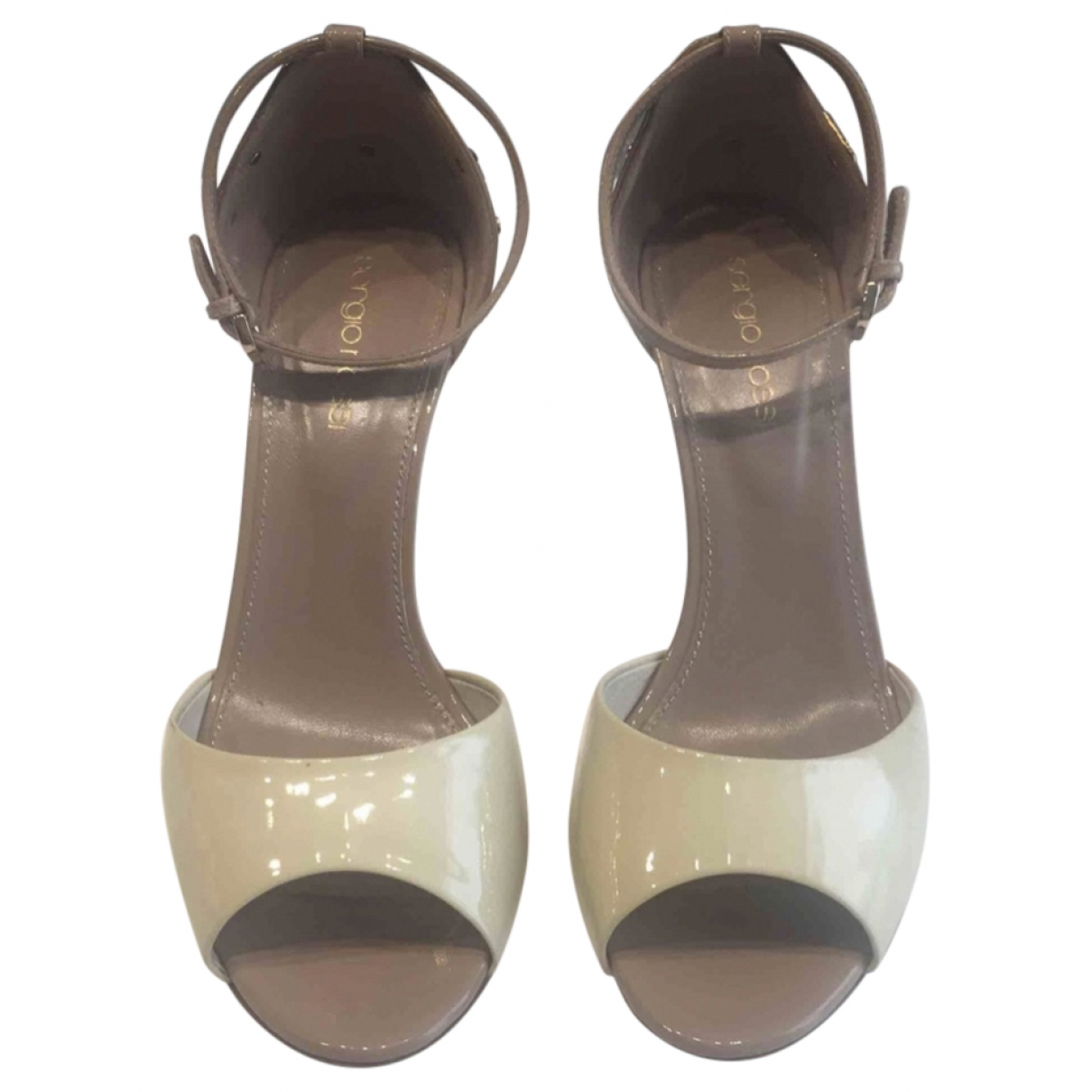 Sergio Rossi \N Beige Patent leather Sandals for Women 36 IT