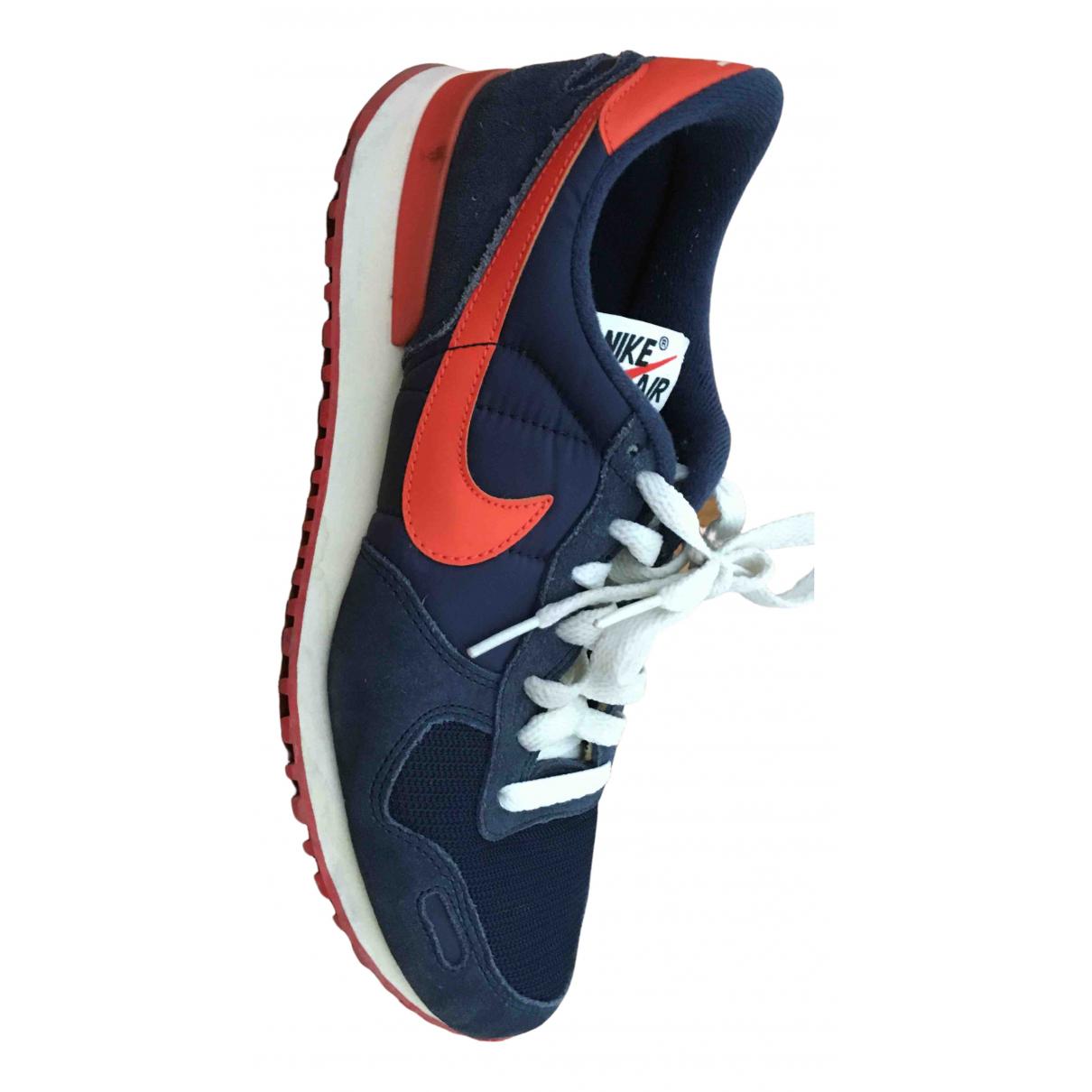 Nike \N Sneakers in  Blau Polyester