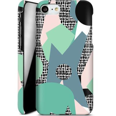 Apple iPhone 8 Smartphone Huelle - Mountains von Jenna Kunnas