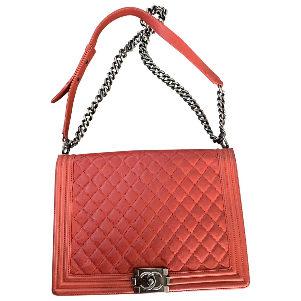 Chanel Boy Handtasche in  Rot Leder