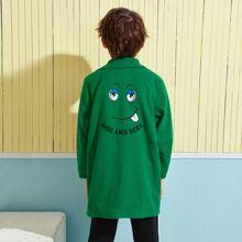 Abrigo con bordado de slogan y dibujos animados con boton