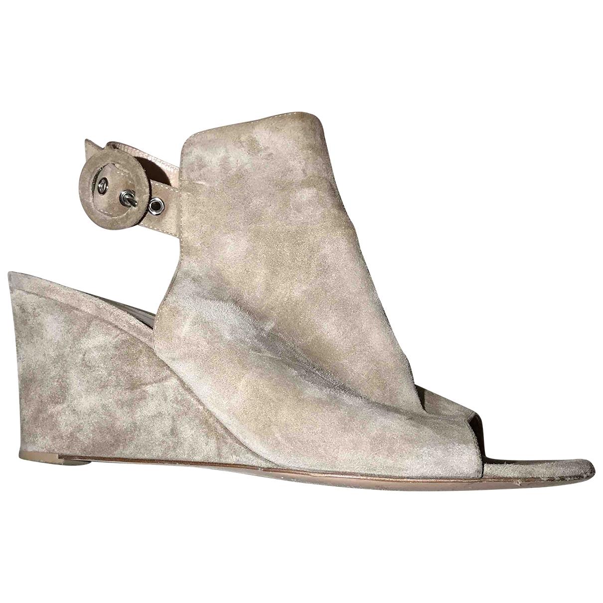 Gianvito Rossi - Sandales   pour femme en suede - beige