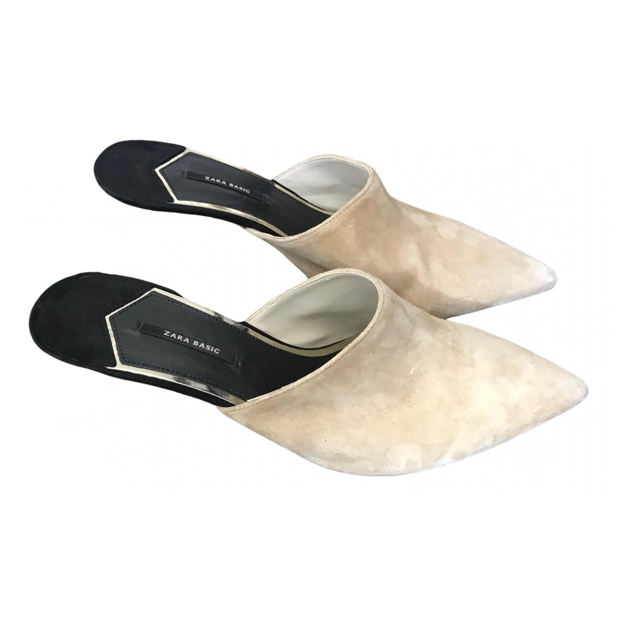 Zara \N Sandalen in Veloursleder