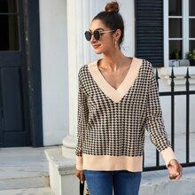 Split Hem Houndstooth Pattern Sweater