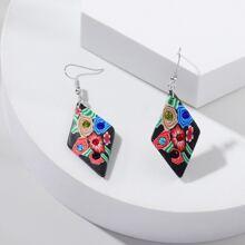 Ohrringe mit Blumen Muster