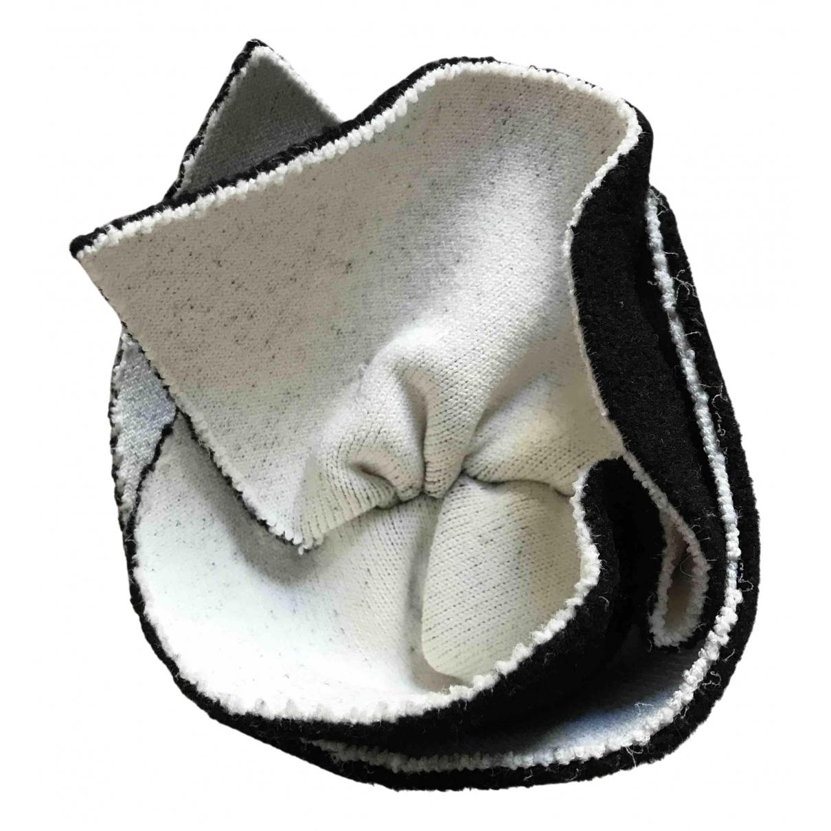 Celine - Broche   pour femme en toile - noir
