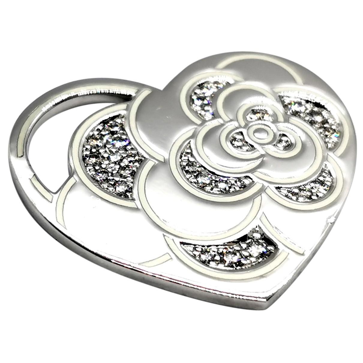 Chanel - Pendentif Camelia pour femme en or blanc - argente