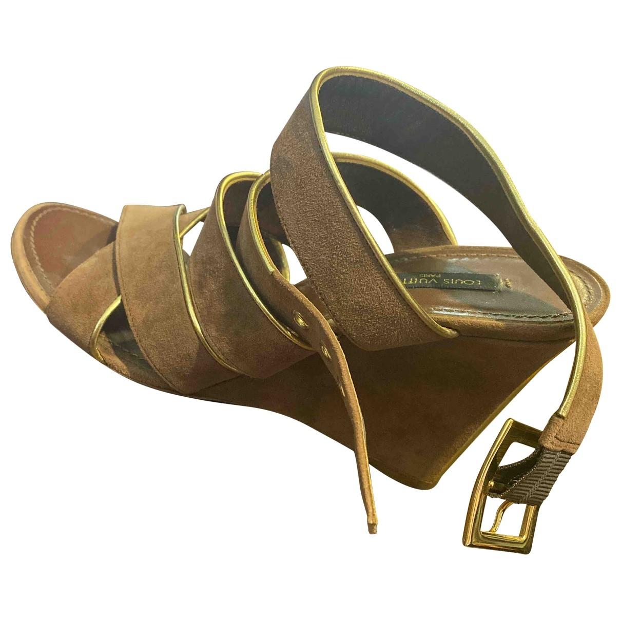 Louis Vuitton - Sandales   pour femme en suede - marron