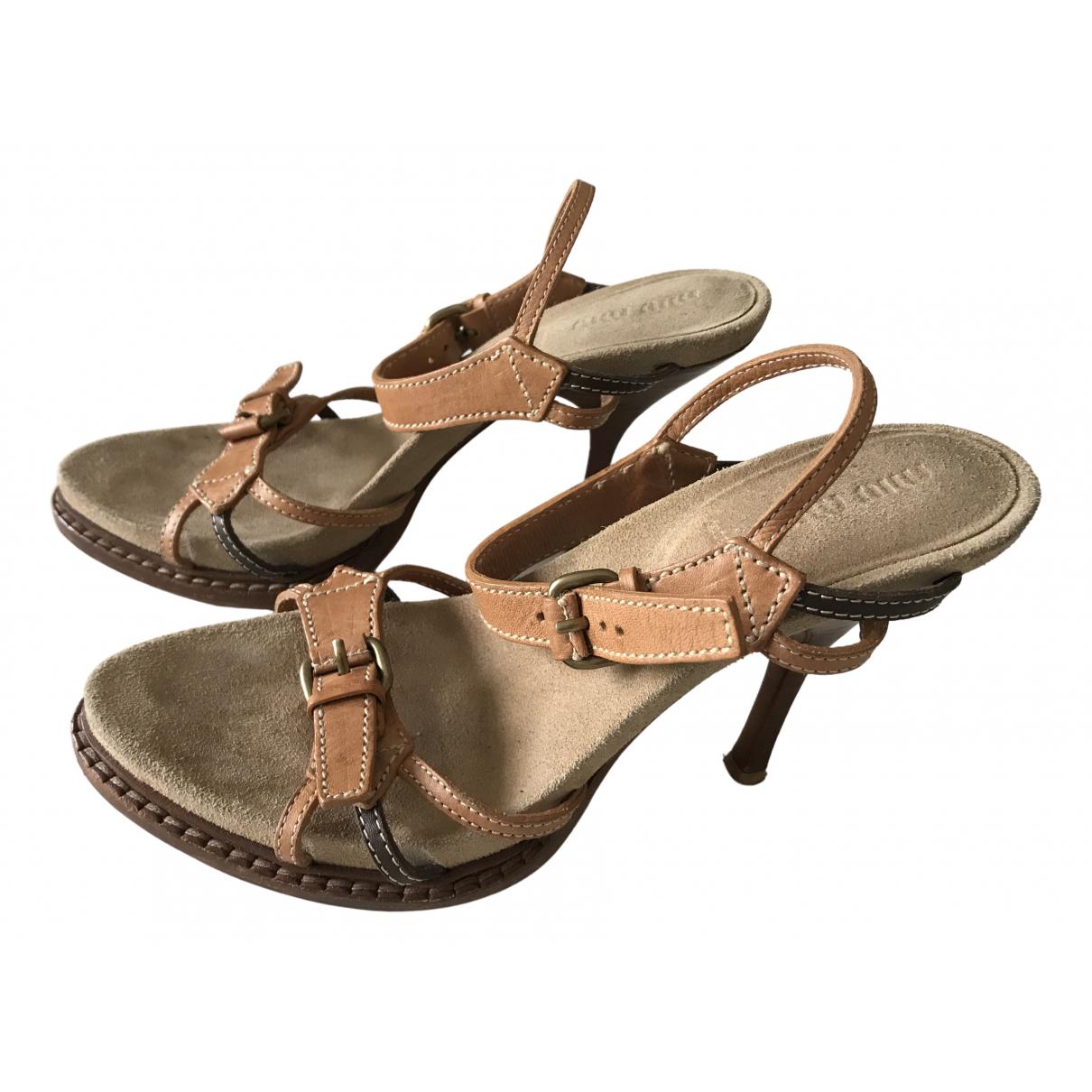 Miu Miu \N Sandalen in  Beige Leder
