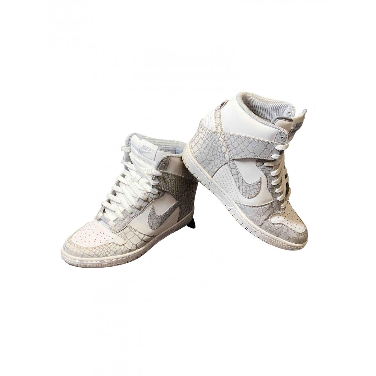Nike Dunk Sky Sneakers in  Weiss Leder