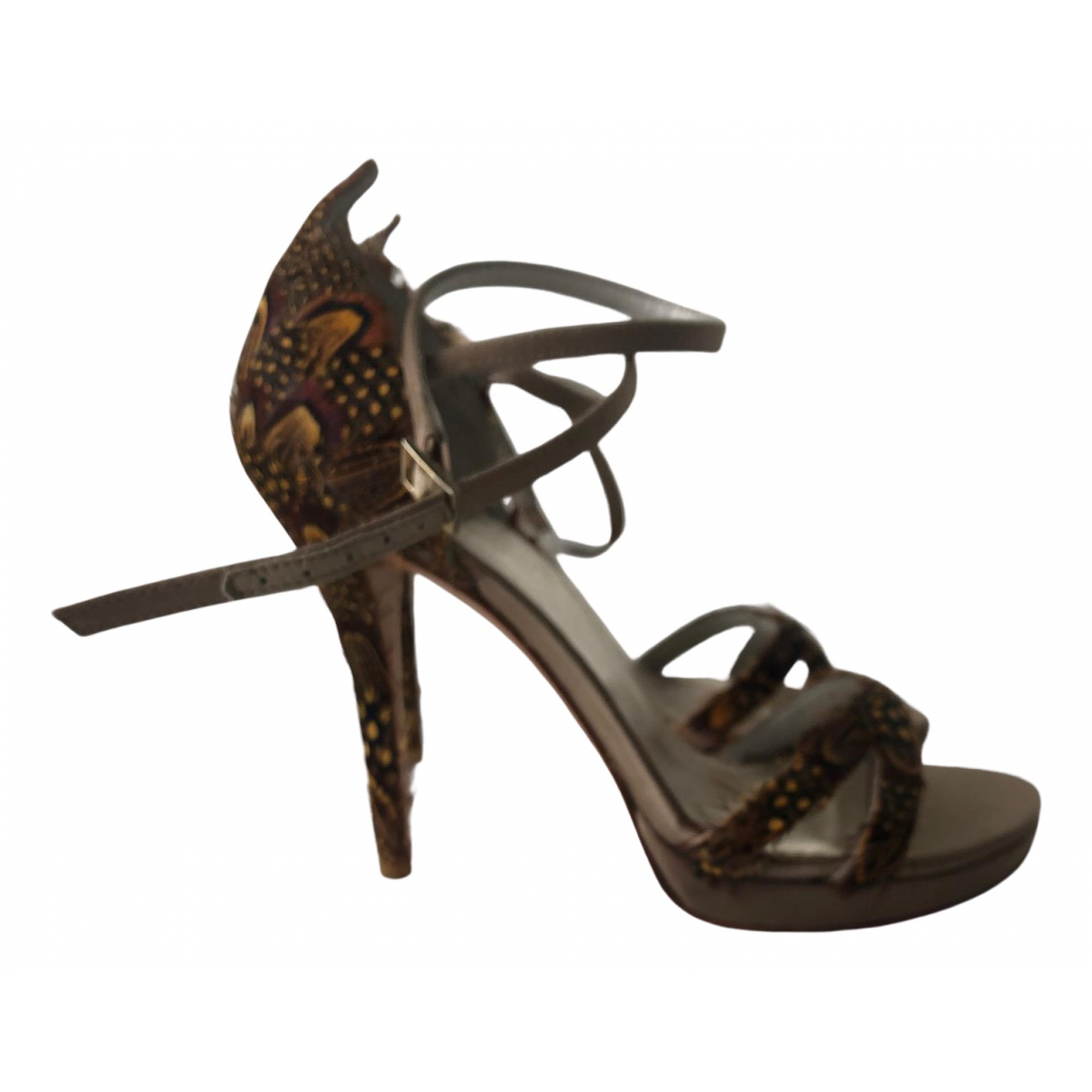Stuart Weitzman N Gold Leather Sandals for Women 35 EU