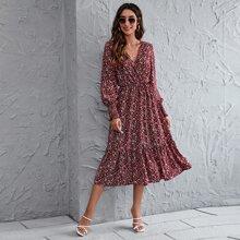 A-Linie Kleid mit V-Ausschnitt vorn und Bluemchen Muster
